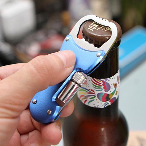 destapador con cerveza