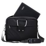 mochila para laptop en uso